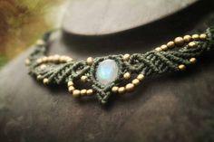 Collar con  Piedra Luna de Macrame Tiara Magico por MacramaniaShop