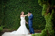 Swooning over the bride & the foliage  in this shot