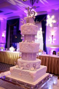 The 10 Most Amazing Sweet 16 Ideas for a Fabulous Party Sweet 16 Party Themes, Sweet Sixteen Parties, Winter Wonderland Birthday, Quinceanera Cakes, Quinceanera Ideas, Sweet 16 Gifts, Sweet 15, Sweet 16 Cakes, Sweet 16 Birthday