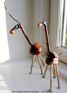 Kastanjedyr lavet af kastanjer. Her ses anderledes giraffer fra tina dalboges bog kreative kastanjer.
