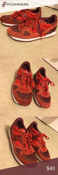 Red Saucony Shadow Orignals Size 8 Saucony Shadow Orignals Men S2108-586. Men's USA Size 8, UK size 7, EU size 41. Great condition, barely worn. Insole missing in left shoe. Saucony Shoes Athletic Shoes