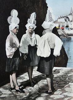 Coiffes des Sablaises.