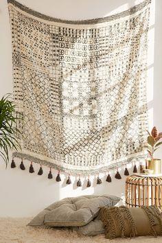 Slide View: 1: Besso Textured Fringe Tapestry
