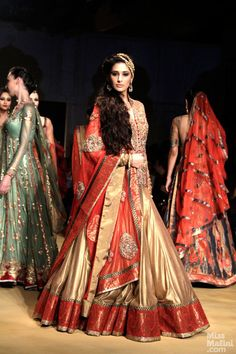 Ashima & Leena's show Nargis Fakhri brought the show to a fitting close, putting on a performance like a gilded princess...