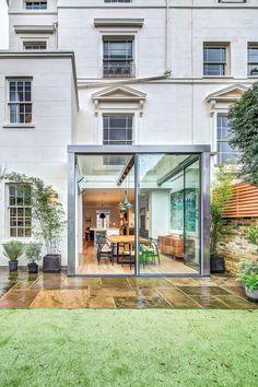Eenvoud. Moderne uitbouw - London