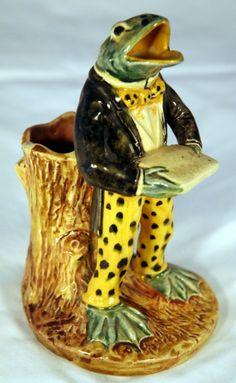 majolica pottery | 20: Majolica Pottery Frog Vase : Lot 20