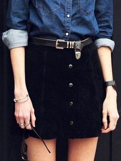 Chemise en jean et jupe trapèze vintage noire ceinturée