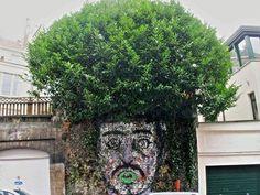 Quando il murales interagisce con il verde della città