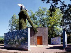 Mozaika, která reprezentovala Německo a firmu na jedné z výstav Expo a následně byla demontována a instalována v zahradách firmy v Mettlachu Design, Home Decor, Decoration Home, Room Decor, Interior Design, Design Comics, Home Interiors, Interior Decorating