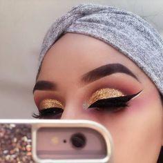 Imagem de makeup, gold, and glitter