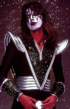 Kiss Images, Kiss Pictures, Rock N Roll Music, Rock And Roll, Banda Kiss, Kiss Members, Vinnie Vincent, Eric Carr, Peter Criss