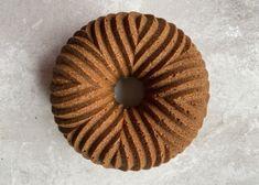 Schoko-Buttermilch-Gugelhupf - Backen mit Christina Dream Cake, Bagel, Doughnut, Pie, Bread, Desserts, Sweet Dreams, Food, Orange