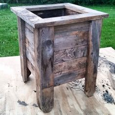 Weekend build.... Planter built from reclaimed fence pieces. This was a simple…