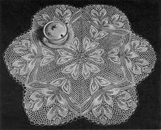 Hojas - Six-Sided Doily In Knitted Lace By Herbert Niebling - PDF - US Letter Paper Size - I would look nice as a lampshade or fruit or flower bowl...