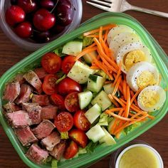 Be careful what you ask for my friends. You told me you wanted lunch ideas and meal preps. I aim to please and I gotcha covered! I surprised my steak loving hubs with this salad today. He was so happy, it was worth the effort to hide it until today. The salad and creamy garlic vinaigrette dressing are #whole30 so why not dig in? If you want the recipe it's in my profile now!