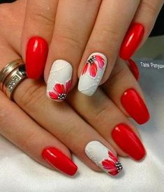Flowers do not always open, but the beautiful Floral nail art is available all year round. Choose your favorite Best Floral Nail art Designs 2018 here! We offer Best Floral Nail art Designs 2018 .If you're a Floral Nail art Design lover , join us now ! Cute Simple Nails, Cute Nails, Pretty Nails, Red Nails, Red Nail Polish, Glitter Nails, Red Manicure, Red And White Nails, Red Nail Art