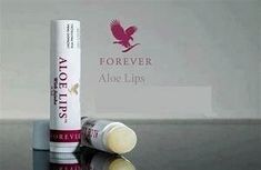 This rich and nourishing pocket-sized lip balm soothes and moisturises dry, chapped lips with the conditioning ingredients of aloe,jojoba and beeswax. Great to protect your lips all year round ! Forever Freedom, Love Me Forever, Aloe Vera Skin Care, Aloe Vera Gel, Forever Aloe Lips, Forever Living Business, Best Lip Balm, Kissable Lips, Chapped Lips