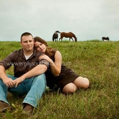 Engagements with horses- Emily Southerland Photography