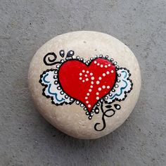 Looking for some easy painted rock ideas to get inspired by? See more ideas about Rock crafts, Painted rocks and Stone crafts. Rock Painting Patterns, Rock Painting Ideas Easy, Rock Painting Designs, Pebble Painting, Pebble Art, Stone Painting, Dot Painting, Painted Rocks Craft, Hand Painted Rocks