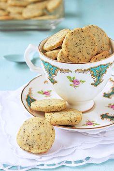 Earl Grey Tea Cookies 2 cups all purpose flour 2 tbsp finely ground tea (tea can… Tea Biscuits, Cookies Et Biscuits, Cookie Flavors, Cookie Recipes, Tea Flavors, Earl Grey Cookies, Tea Cookies, Shortbread Cookies, Sprinkles