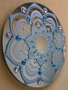 Best 12 / bejeweled decorative plate / – Page 399835273152192837 – SkillOfKing. Dot Art Painting, Mandala Painting, Cd Crafts, Diy Arts And Crafts, Recycled Cds, Cd Art, Record Art, Free To Use Images, Creation Deco