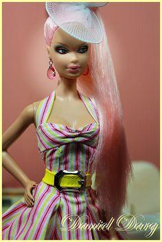 Taking fashion cues from Barbie. Beautiful Barbie Dolls, Pretty Dolls, Pink Love, Pretty In Pink, Mattel Barbie, Pink Barbie, China Dolls, Bratz Doll, Glamour