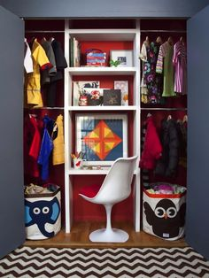 boy's rooms - West Elm Zigzag Rug Saarinen Tulip Armless Chair 3 Sprouts - Owl Storage Bin Sprouts - Elephant Storage Bin Navy blue walls folding closet doors interior closet red desk