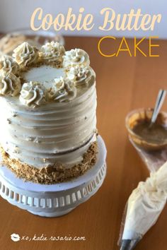 This easy cookie butter cake is a cinnamon spiced cake with creamy cookie butter layers and silky smooth vanilla buttercream! Cookie Butter Cake Recipe, Homemade Cookie Butter, Homemade Cookies, Butter Recipe, Cake Decorating For Beginners, Cake Decorating Classes, Easy Cake Decorating, Baking Recipes, Cake Recipes