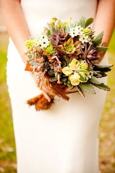 Laura + Jaime Wedding | Mercury Hall | Photo Credit: Svetlana Photography | Wedding Planner: The Simplifiers
