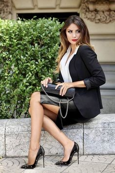 Sexy Legs And Heels, Sexy High Heels, Classy Heels, Black Heels, High Heel Models, How To Look Expensive, Lady, Look Fashion, Womens Fashion