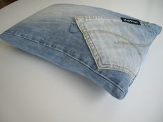 Denim Pillow  •  Free tutorial with pictures on how to make a recycled cushion in under 30 minutes