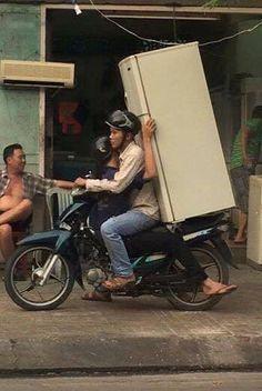 """Những hình ảnh """"kinh điển"""" trên đường phố Việt Nam khiến ai cũng ..."""