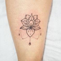 38 ideas for tattoo femininas delicada girassol Side Thigh Tattoos, Foot Tattoos, Finger Tattoos, Body Art Tattoos, Tatoos, Mini Tattoos, Trendy Tattoos, Small Tattoos, Tattoos For Women