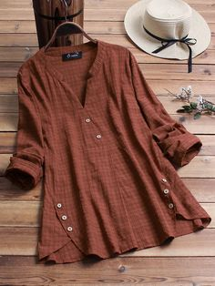Vintage Plaid Side Button V-neck Long Sleeve Plus Size Shirt can cover your body well, make you more sexy, Newchic offer cheap plus size fashion tops for women. Plus Size Shirts, Plus Size Blouses, Look Retro, Plaid, Shirt Blouses, T Shirt, Loose Shirts, Button Shirts, Blouse Vintage