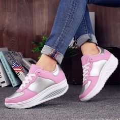 Ellie- Comfy High Trainers Vegan Sneakers, White Sneakers, Sneakers Nike, Sneakers Women, Shoe Basket, Summer Wedges, Spring Shoes, Casual Shoes, Trainers