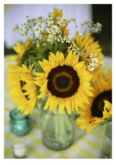 sunflowers in mason jars. Could be different flowers in mason jars! Yellow Wedding, Fall Wedding, Wedding Reception, Rustic Wedding, Our Wedding, Dream Wedding, Wedding Tables, Wedding Weekend, Reception Ideas