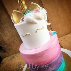 Guys - I'm in LOVE 😍 This super cute Unicorn 🦄 cake is for my friends daughter- Happy Birthday Cadence!! #icedbykez #pettinice #unicorncake #unicornlove #instacake #cake