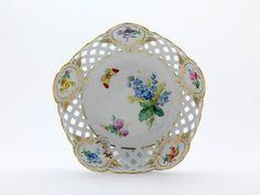 Schale, durchbr., Blume naturalistisch, m.Schmetterling, Schilderorn.goldstaff., Goldr., ø 23 cm