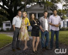 Hart of Dixie Pictured: Scott Porter as George, Jaime King is Lemon, Rachel Bilson as Dr. Zoe Hart, Wilson Bethel as Wade, Cress Williams as Lavon. Photo Credit: Mathieu Young/The CW � 2011 The CW Network, LLC.  All rights reserved.pn