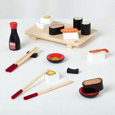 Give your little ones a chance to appreciate fine pretend dining with this 21 piece play sushi set. It contains sushi, chopsticks, rests and more. Best of all, it'll never expire.