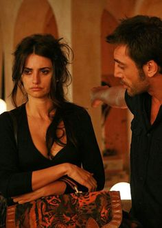 "sty-gd: "" Penelope Cruz and Javier Bardem in Vicky Cristina Barcelona "" - Woody Allen film Vicky Cristina Barcelona, Beau Film, Javier Bardem, Woody Allen, I Love Cinema, Insecure Women, Shows, Film Stills, Scarlett Johansson"