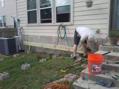 How to Build a Deck Step by Step with Pictures Building A Floating Deck, Deck Building Plans, Deck Plans, Building Stairs, Platform Deck, Deck Steps, Laying Decking, Deck Construction, New Deck