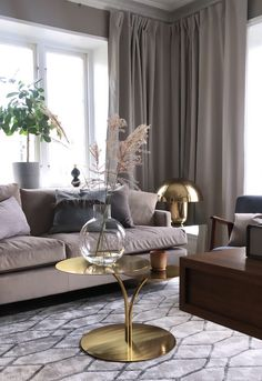 Simplicity - Simplicity – Feng Shui – Inredning i balans - Lilly is Love Home Decor Accessories, Living Room Table, Interior Design Living Room, Home And Living, Interior, Living Room Sectional, Living Room Decor, House Interior, Room Decor