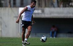 """Thiago Maia promete cumprir contrato com o Santos até o fim: """"Quero ficar""""  http://santosjogafutebolarte.comunidades.net/seu-placar-de-rio-claro-x-santos"""