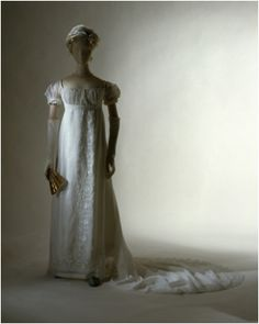 """Elizabeth Patterson Bonaparte's Wedding Dress, described as a dress so small that it """"would fit easily into a gentleman's pocket."""" They were married on Christmas Eve 1803 (MET Museum). Baltimore, Elizabeth Patterson, Period Outfit, Costume Institute, Historical Clothing, Pretty Outfits, Pretty Clothes, Wedding Styles, Wedding Ideas"""