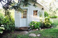 So sweet! perfect potting shed/studio/shed! A Country Farmhouse: Farmhouse Renovation White Cottage, Cozy Cottage, Cottage Style, Backyard Studio, Farmhouse Renovation, She Sheds, Garden Cottage, Backyard Cottage, Backyard House