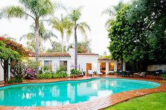 A hacienda-style home located at 12305 Fifth Helena Drive in the Brentwood neighborhood of Los Angeles was the only home Marilyn Monroe owned. Hacienda Style Homes, Spanish Style Homes, Spanish Revival, Santa Monica, Marilyn Monroe House, Marylin Monroe, Villa, Los Angeles Homes, Norma Jeane