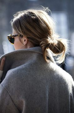 Grey coat and a messy bun (easy chignon french twists) Look Fashion, Fashion Beauty, Winter Fashion, Fashion Clothes, Net Fashion, Fashion Hair, Woman Fashion, Fashion Outfits, My Hairstyle