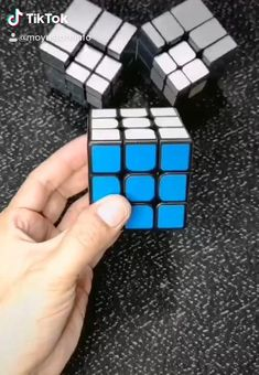 Cara membuat kubus di dalam rubik Diy Crafts Hacks, Diy Arts And Crafts, Diy Craft Projects, Amazing Life Hacks, Useful Life Hacks, Rubiks Cube Patterns, Solving A Rubix Cube, Rubiks Cube Algorithms, 5 Minute Crafts Videos