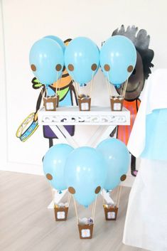 Hot Air Balloon Themed Second Birthday Party {Ideas, Decor, Planning} - Decoration For Home Ballon Party, Deco Ballon, Birthday Balloons, 2nd Birthday Parties, Birthday Games, Baby Party, Baby Shower Parties, Shower Party, Hot Air Balloon Cake